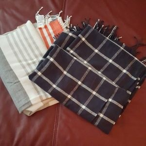 2 oversized GAP scarves
